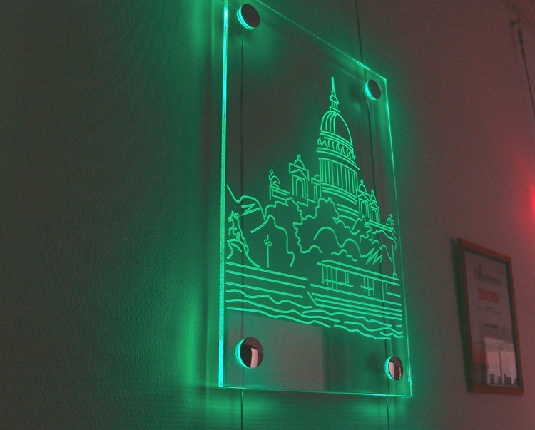 Как сделать световые вывеску